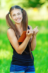 smiling woman read book