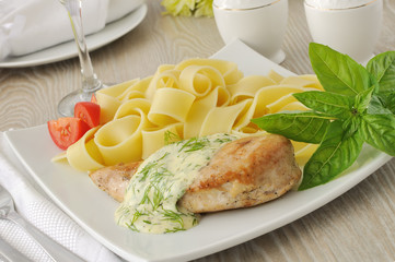 Italian pasta  with chicken and cream sauce