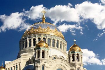 Golden domes of the orthodox temple