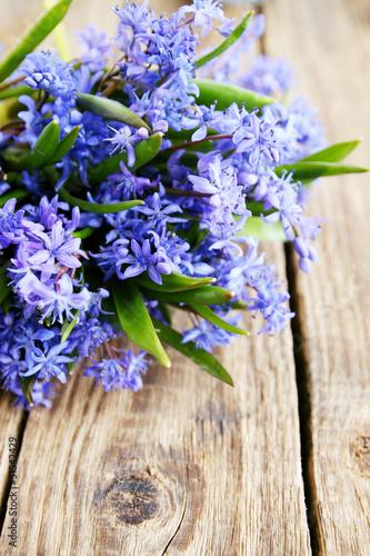 bouquet on table © Mallivan