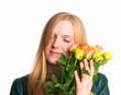 Verliebtes Mädchen mit Rosen