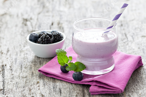 Leinwandbild Motiv Joghurtdrink