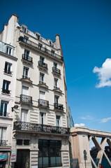 immeuble parisien   gare du nord à Paris