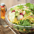 gemischter Salat mit Öl