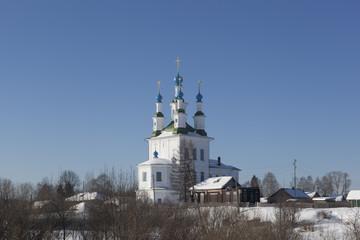 Вид на церковь Троицы Живоначальной на Зелене