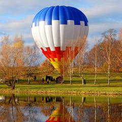 Air balloon reflecting