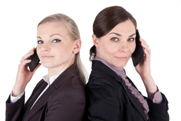 Zwei Geschäftsfrauen mit Smartphone