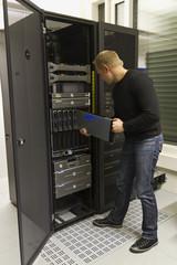 IT Consulant Install Server