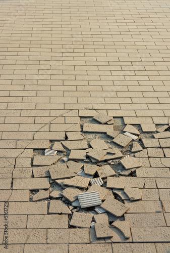 Crack tile ground