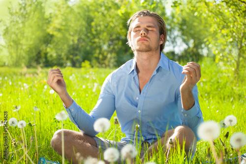 mann beim entspannen