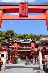 高橋稲荷神社と鳥居