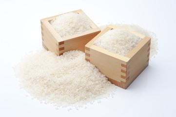 枡から溢れた白米