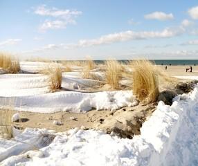 schneebedeckte Düne