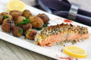 pavé de saumon pané et pommes de terre de noirmoutier 5