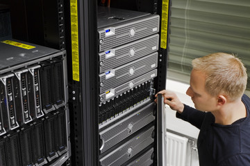 IT Technician Maintain SAN and Servers