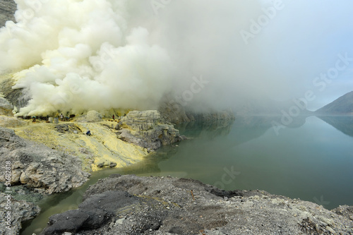 Foto op Plexiglas Indonesië Cratere del vulcano Ijen sull'isola di Java in Indonesia