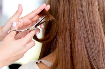 Cutting split ends