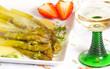Spargel mit Sauce Hollandaise und Wein