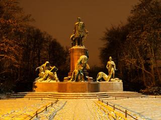 bismarck statue berlin