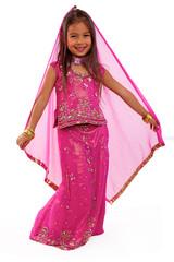 enfant en sari traditionnelle hindou