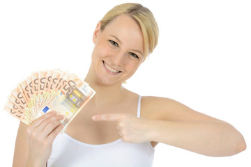 Junge Frau mit vielen Geldscheinen