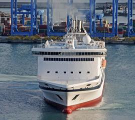 Ship ferry