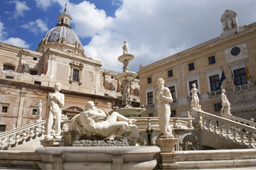 Palermo - Florentine fountain on Piazza Pretoria