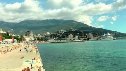 Набережная, порт, город, горы, море