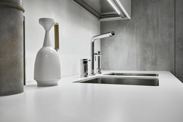 rubinetto di acciaio per una moderna cucina