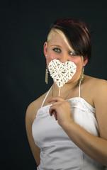 Braut mit Herzchen