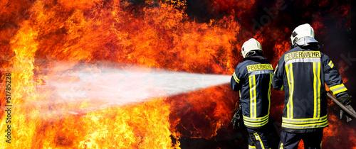 Leinwanddruck Bild Feuerwehr in Aktion