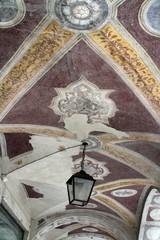 affreschi nei portici di Feltre