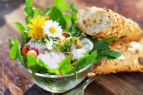 Fotobehang Salade Knackiger Frühlingssalat