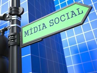 Social Media Concept. (Portuguese)