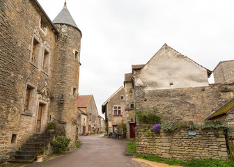 Village médiéval de Châteauneuf en Auxois