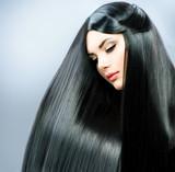 Piękne czarne włosy - 51853602