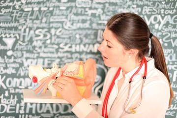 junge HNO Ärztin