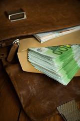 Viel Geld in der Tasche