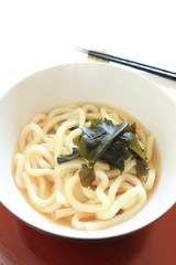 japanese cuisine, wakame udon on wooden tray