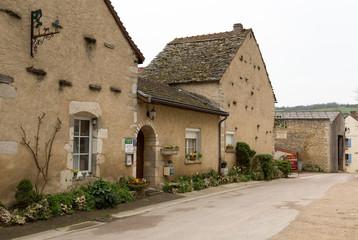 façades et maison du village de la Rochepot