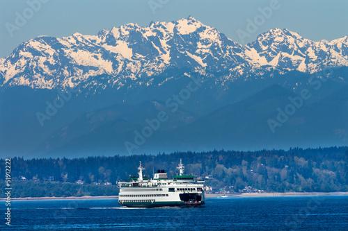Leinwandbild Motiv Seattle Bainbridge Island Ferry Puget Sound Olympic Mountains