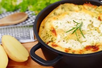 potato bake - Kartoffelgratin