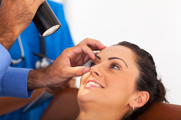 woman in for eye check up