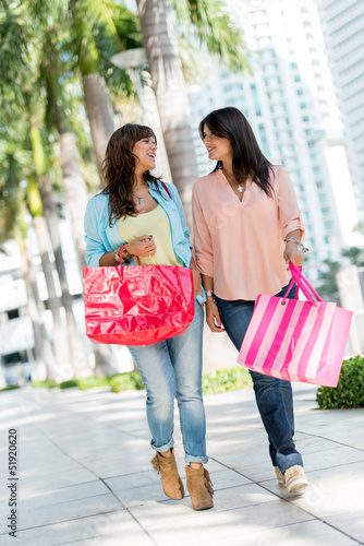 Shopping women in Miami