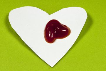 Herz mit Ketchup