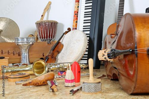 Leinwanddruck Bild Viele Musikinstrumente