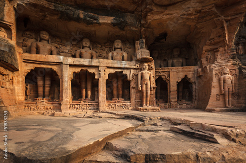 Statues of Jain thirthankaras