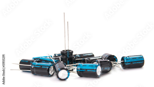 Capacitors isolated - 51935291