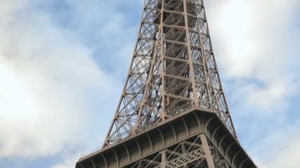 Съемка эйфелевой башни сверху вниз