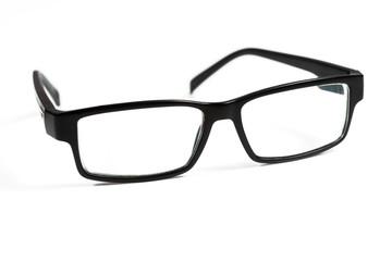 Gafas negras en fondo blanco